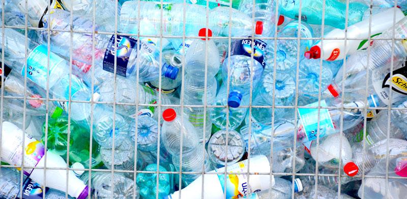 מיחזור בקבוקים / צילום: איל יצהר