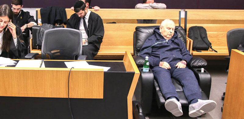בוריס וייסמן החולה בבית המשפט / צילום: כדיה לוי