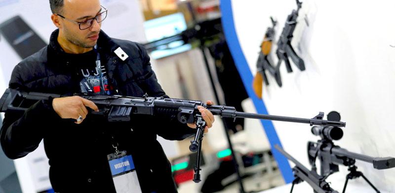 תערוכת נשק/ צילום: muchamed abd el ghany רויטרס