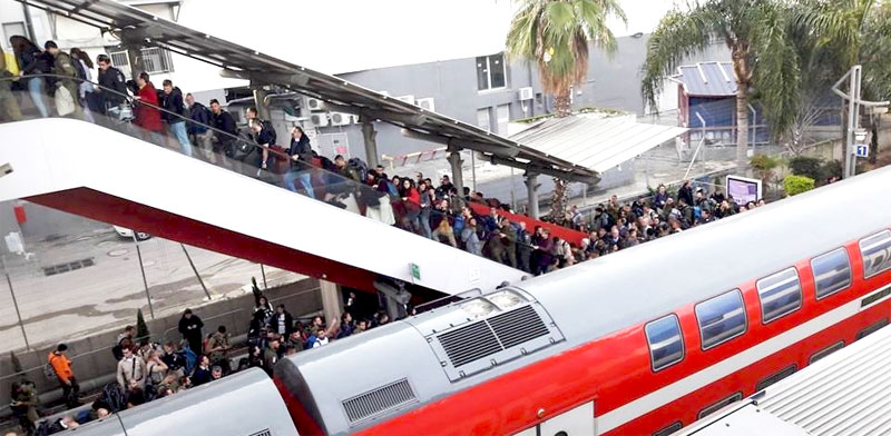 עומסים ברכבת ישראל / צילום: ליהיא אליהו