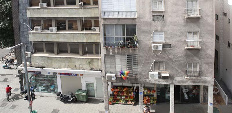 בניינים צמודים / צילום: כדיה לוי