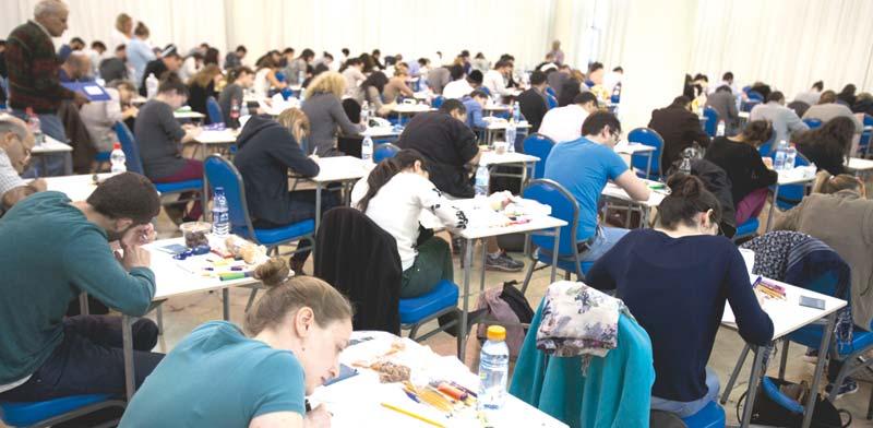 סטודנטים בבחינות הסמכה / צילום: ליאור מזרחי