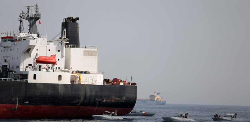 מכלית נפט מול חופי סעודיה / צילום: רויטרס