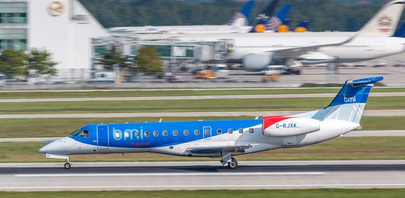 חברת התעופה הבריטית Flybmi / צילום: Shutterstock, א.ס.א.פ קריאייטיב