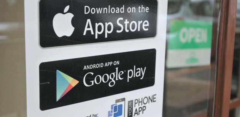 חנויות האפליקציות של גוגל ואפל./ צילום:  Shutterstock א.ס.א.פ קריאייטיב