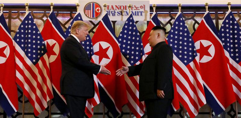 טראמפ וקים בהאנוי / צילום: רויטרס Leah Millis