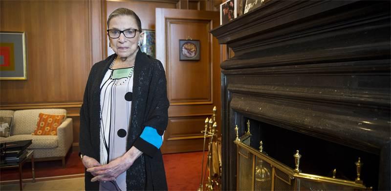 """השופטת רות ביידר גינזבורג ז""""ל / צילום: Cliff Owen, Associated Press"""