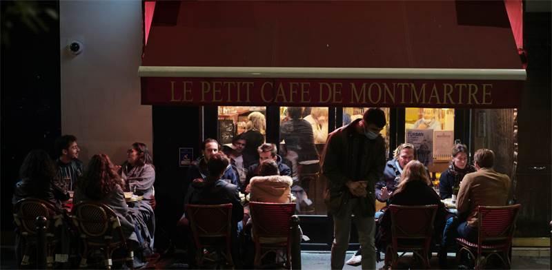 מסעדה במרסיי, צרפת / צילום: לואיס ג'ולי, AP