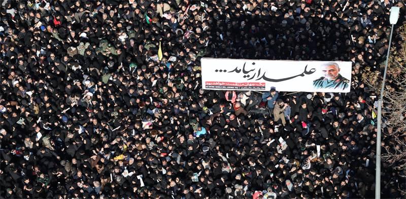 המונים נמחצים בהלווייתו של קאסם סולימאני / צילום: רויטרס