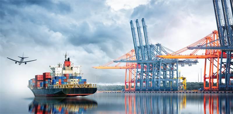 אוניית מטען לייצוא. אפשר להמשיך בסחר חוץ גם בעת משבר/ צילום: Shutterstock/א.ס.א.פ קרייטיב
