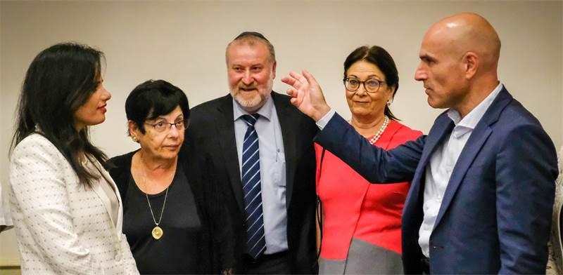 מימין לשמאל: אפי נוה, אסתר חיות, אביחי מנדלבליט, מרים נאור ואיילת שקד בכנס שנת המשפט ב־2018 / צילום: שלומי יוסף