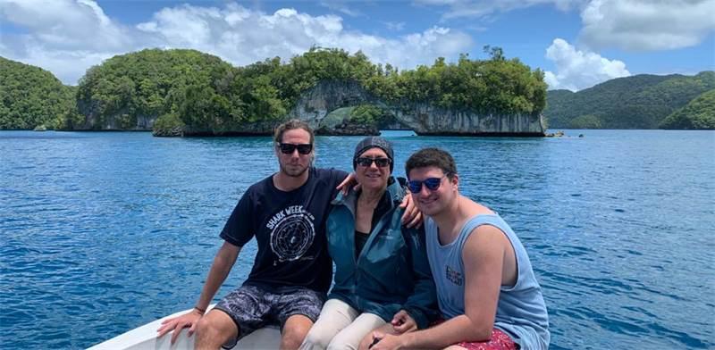 טובה הראל עם הבנים ליים ואודי, פלאו / צילום: תמונה פרטית