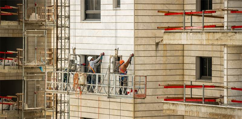 Building workers in Ashkelon / Photo: Shutterstock