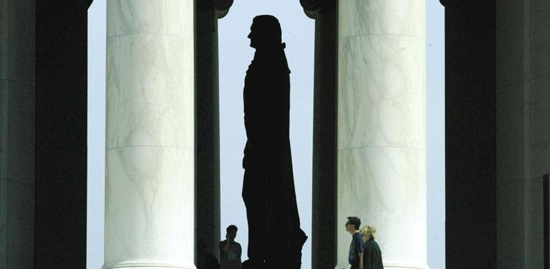 פסל של תומאס ג'פרסון בוושינגטון. בערוב ימיו הבין שטעה לגבי תמיכתו במוסד חבר האלקטורים / צילום: רויטרס, Reuters Photographer