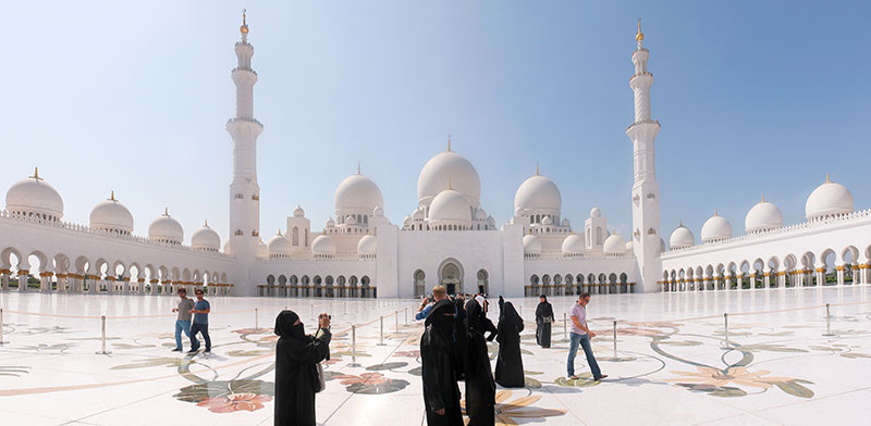 מסגד שייח' זאיד באבו דאבי. בנייתו נמשכה כעשור / צילום: shutterstock, שאטרסטוק
