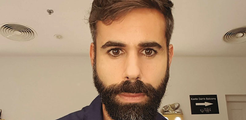 רותם כהן, שחקן תיאטרון ומנחה אירועים עסקיים / צילום: תמונה פרטית