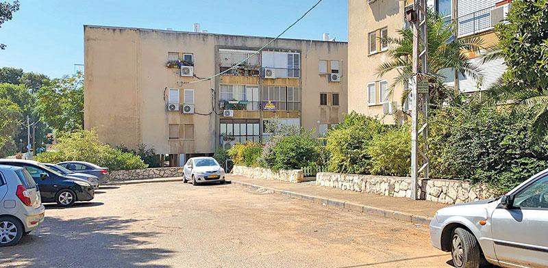 """הדירה בפרדס חנה, בבניין שיכון משנות ה–60,  / צילום: יח""""צ"""