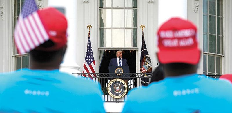 נוכחות לא מבוטלת של שחורים והיספנים בעצרת שטראמפ ארגן בבית הלבן ביום שבת / צילום: Alex Brandon, Associated Press