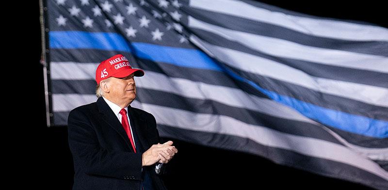 """טראמפ בעצרת בוויסקונסין. """"עלה בזכות הרשתות החברתיות והיכולת להשתמש בכלים האלה כדי לגרום להסתה"""" / צילום: Alex Brandon, Associated Press"""