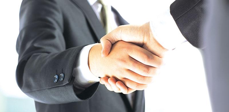 חתימה על עסקה / אילוסטרציה: shutterstock, שאטרסטוק