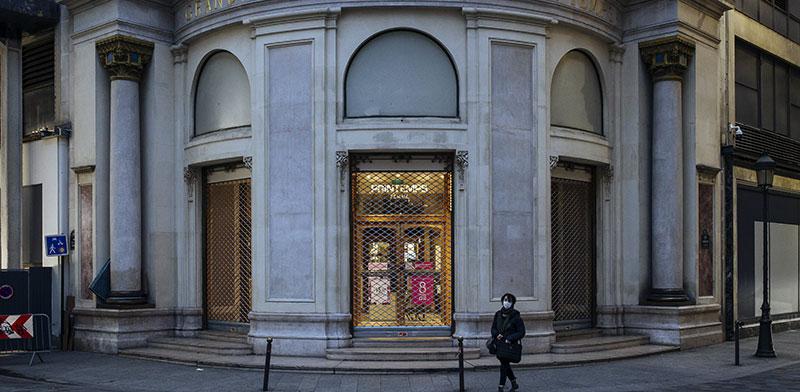 חנויות סגורות במרכז פריז / צילום: Lewis Joly, Associated Press