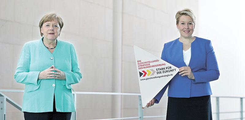 הקאנצלרית אנגלה מרקל והשרה לענייני משפחה, פרנציסקה גיפי   / צילום: Michael Sohn, Associated Press