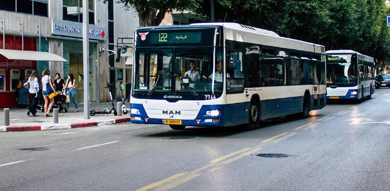 Bus lane in Tel aviv  / Photo: Shutterstock, Shutterstock.com