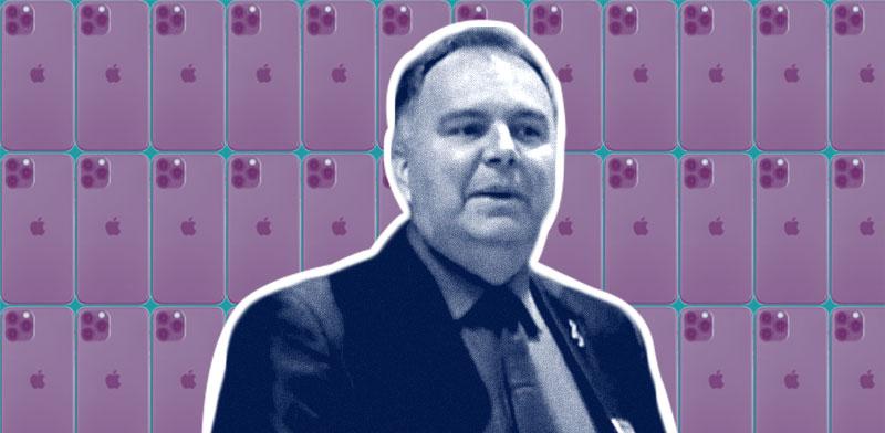 טוני בלווינס, סגן נשיא לרכש באפל / צילומים: יוטיוב, shutterstock; עיבוד: טלי בוגדנובסקי