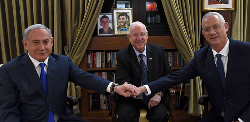 """בני גנץ, ראובן ריבלין ובנימין נתניהו / צילום: חיים צח, לע""""מ"""