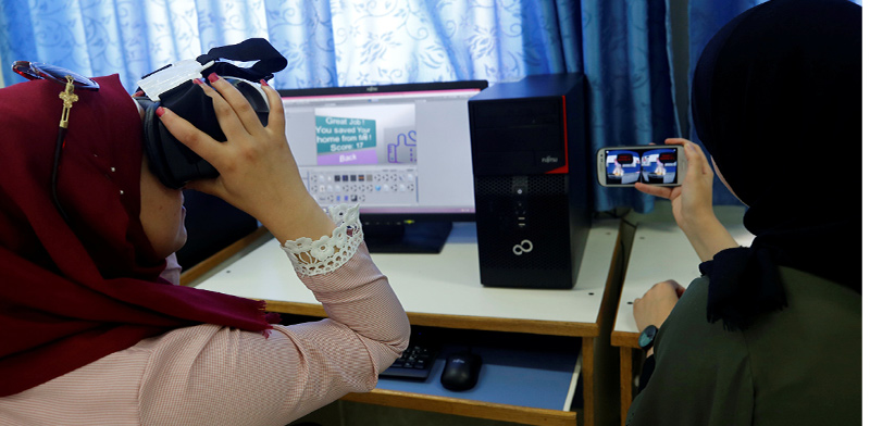 Palestinians in tech sector  / Photo: Abed Omar Qusini Reuters , Reuters