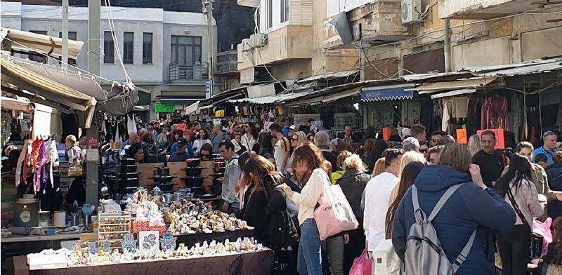 בחירות מועד ג' 2020, תל אביב. אנשים ממלאים את הרחובות ביום החופש של הבחירות / צילום: שירי דובר, גלובס