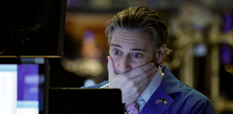 ברוקר בבורסה בניו יורק / צילום: Richard Drew, Associated Press