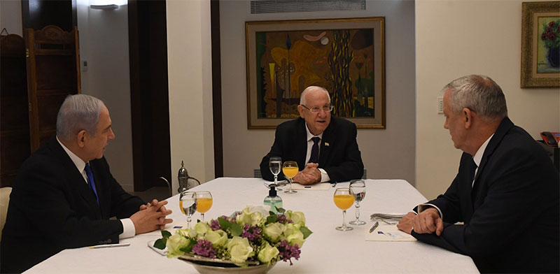 """פגישת הנשיא ראובן ריבלין עם ראש הממשלה בנימין נתניהו ויו""""ר כחול לבן בני גנץ / צילום: קובי גדעון, לע""""מ"""