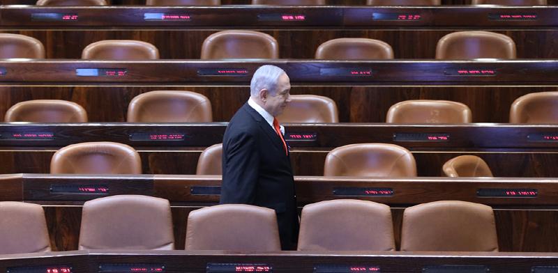 ראש הממשלה בנימין נתניהו במליאת הכנסת הריקה בצל הקורונה / צילום: גדעון שרון, דוברות הכנסת