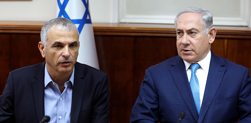 Moshe Kahlon and Benjamin Netanyahu  / Photo: Amir Cohen Reuters , Reuters
