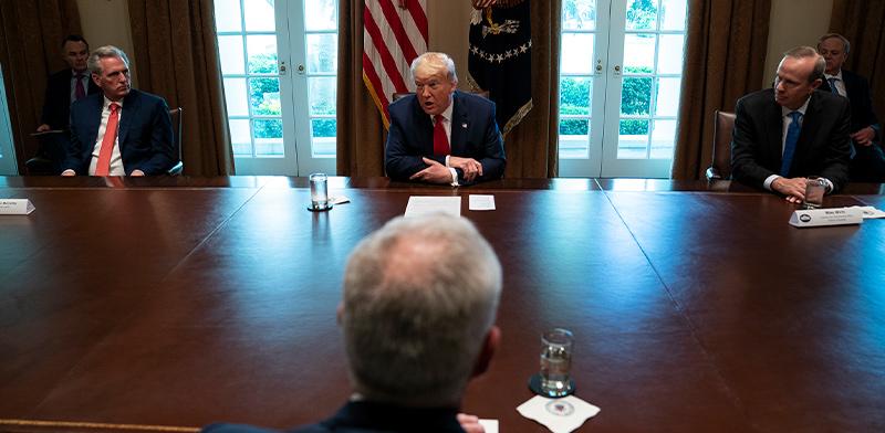"""פגישת טראמפ עם ראשי תעשיות הנפט בארה""""ב / צילום: Evan Vucci, Associated Press"""