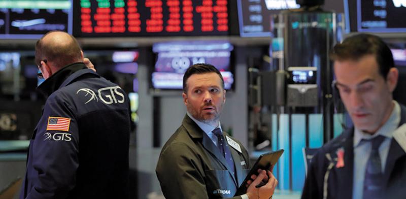 עצירת מסחר בבורסת ניו יורק ב־16 במרץ. המסחר נעצר שנייה אחרי 9:30 בבוקר  / צילום: Lucas Jackson , רויטרס