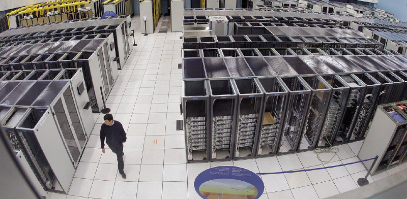 דאטה סנטר של מרכז למחקר גרעיני בשווייץ / צילום: Martial Trezzini, Associated Press