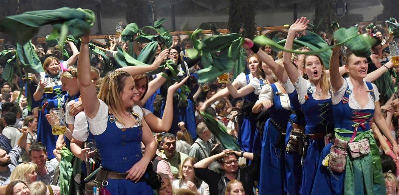 אוקטוברפסט בגרמניה, 2019. האירועים המסורתיים בוטלו  / צילום: Felix Hoerhager, Associated Press