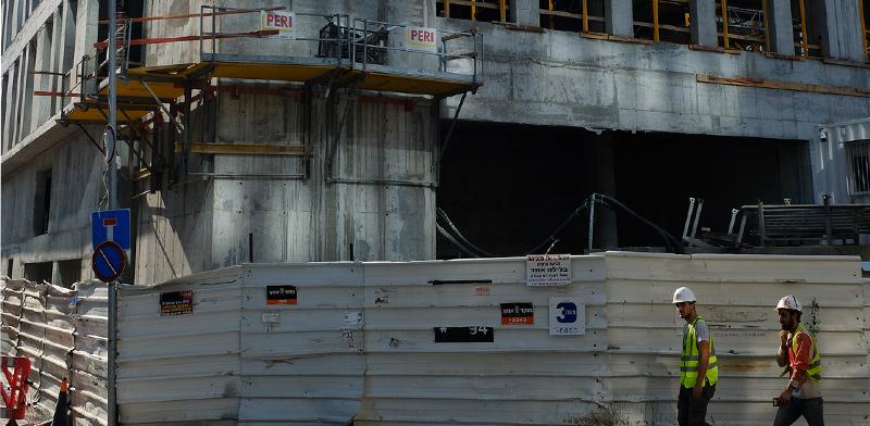 אתר בנייה. גם בניין בבנייה יכול ליהנות מהטבות החוק  / צילום: איל יצהר, גלובס