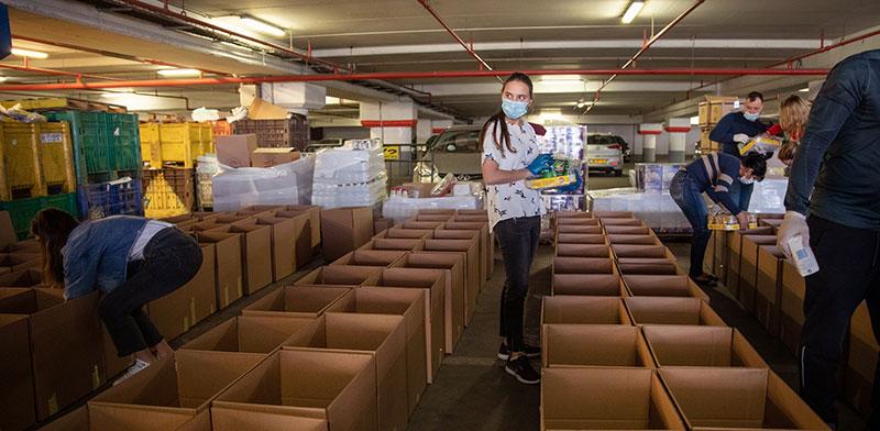 חלוקת מזון לנזקקים בצל הקורונה / צילום: כדיה לוי, גלובס
