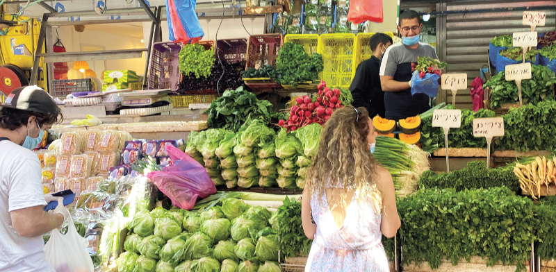 שוק הכרמל בתל אביב מתחיל לחזור לשגרה בשבוע שעבר  / צילום: בר לביא, גלובס