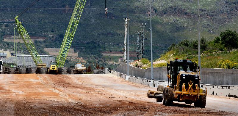 עבודות תשתית באזור כרמיאל / צילום: איל יצהר, גלובס