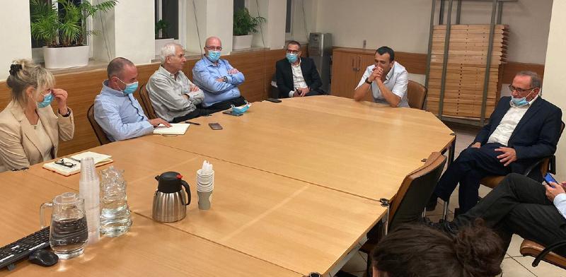 """פגישת בכירי האוצר עם נציגי אל על, אמש / צילום: חו""""ל מהודר"""
