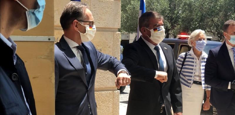 שר החוץ הגרמני הייקו מאס ושר החוץ הישראלי גבי אשכנזי / צילום: טל שניידר, גלובס