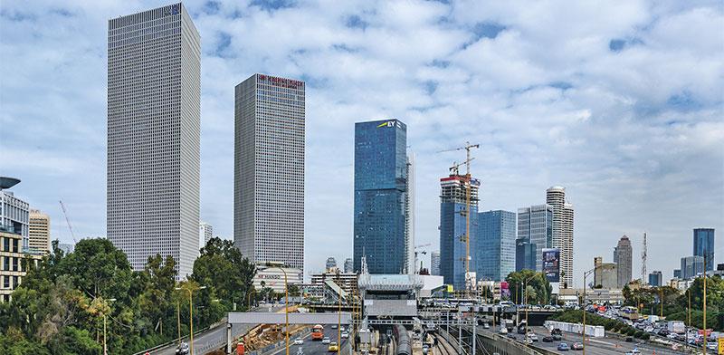 בנייני המשרדים על גדות נתיבי איילון / צילום: shutterstock