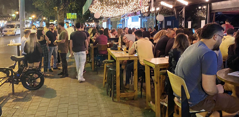 After lockdown, Israeli restaurants teem with people / Photo: Bar Lavi , Globes