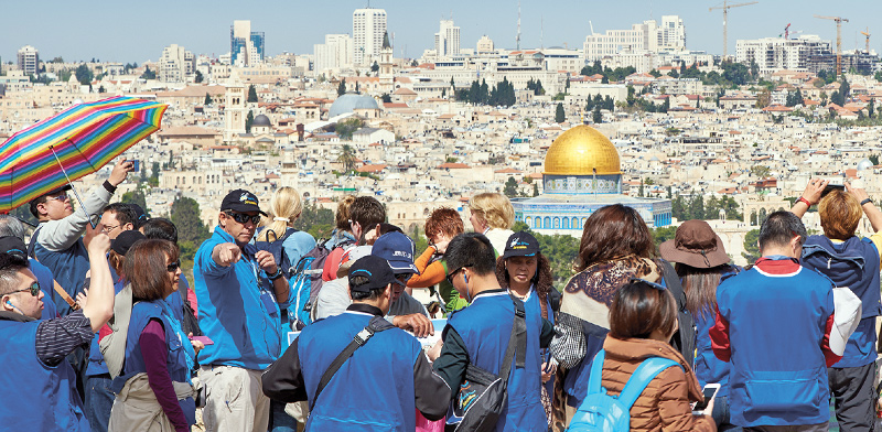 סיור מודרך בירושלים. בענף המלונאות והתיירות נושאים עיניים למשרד התיירות / צילום: shutterstock, שאטרסטוק