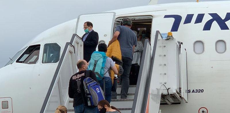 מטוס חברת ישראייר / צילום: מוני שפיר