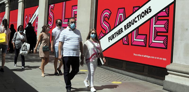 רחוב אוסקפורד בלונדון. הקורונה הכלכלית באירופה / צילום: Henry Nicholls, רויטרס